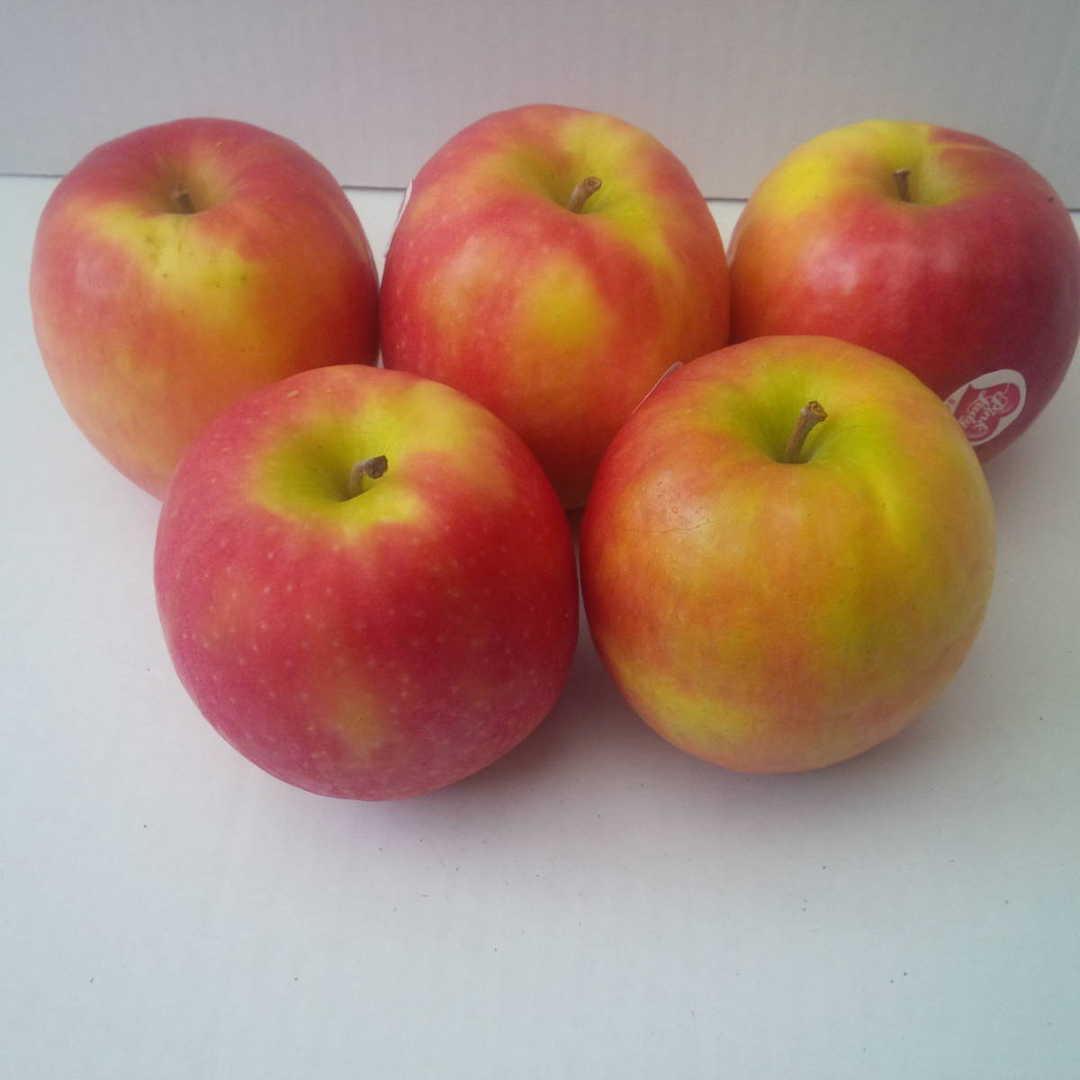 Pink Lady Apples - The Northampton Grocer